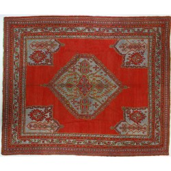 CR4010- ANTIQUE OUSHAK RUG...