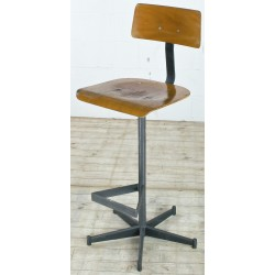 CHR152A Barstool with Footrest
