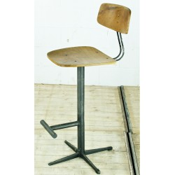 CHR152D Barstool with Footrest