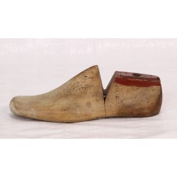 AC119 -  German Wooden Shoe...